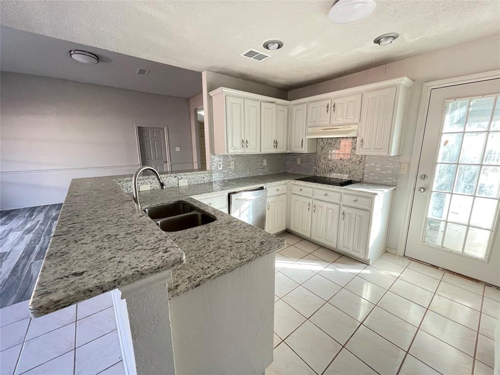 3614 Sunnypark Drive, Arlington, Texas 76014 - acquisto real estate best allen realtor kim miller hunters creek expert