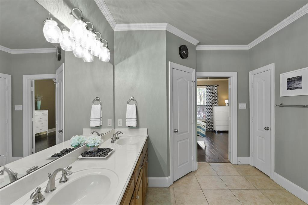 827 Canterbury Drive, Rockwall, Texas 75032 - acquisto real estate best photos for luxury listings amy gasperini quick sale real estate
