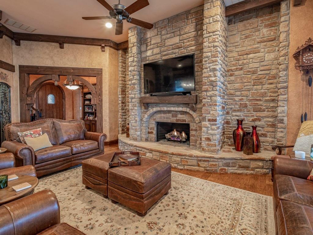 2305 Alexa Court, Granbury, Texas 76048 - acquisto real estate best new home sales realtor linda miller executor real estate