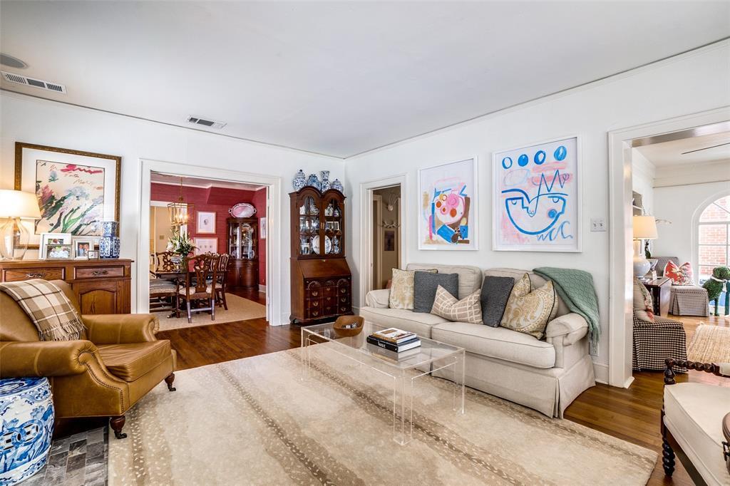 5827 Morningside Avenue, Dallas, Texas 75206 - acquisto real estate best highland park realtor amy gasperini fast real estate service