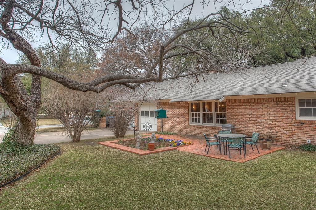 2700 Hartwood Drive, Fort Worth, Texas 76109 - acquisto real estate mvp award real estate logan lawrence