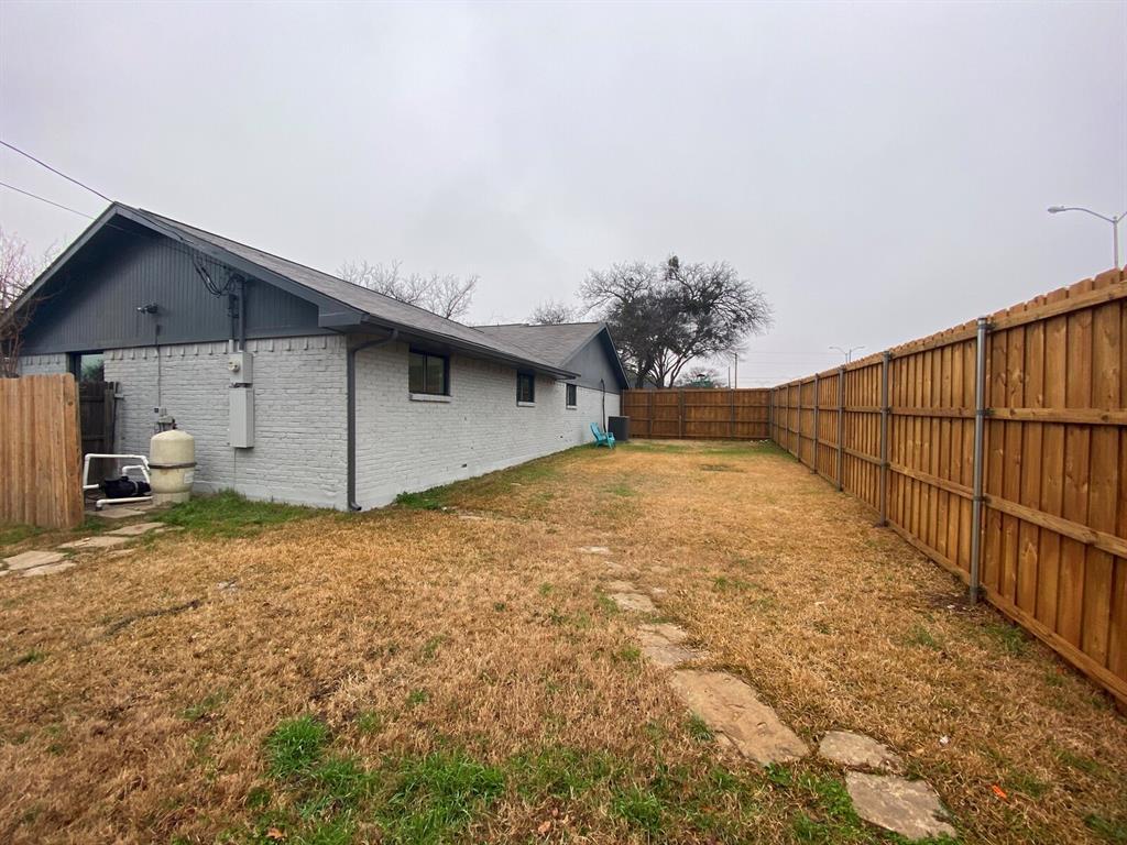 4156 Echo Glen  Drive, Dallas, Texas 75244 - acquisto real estate best plano real estate agent mike shepherd