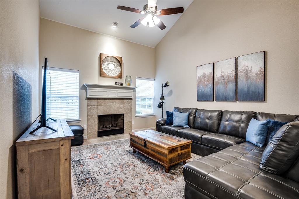 833 Summercreek Drive, Lewisville, Texas 75067 - acquisto real estate best prosper realtor susan cancemi windfarms realtor