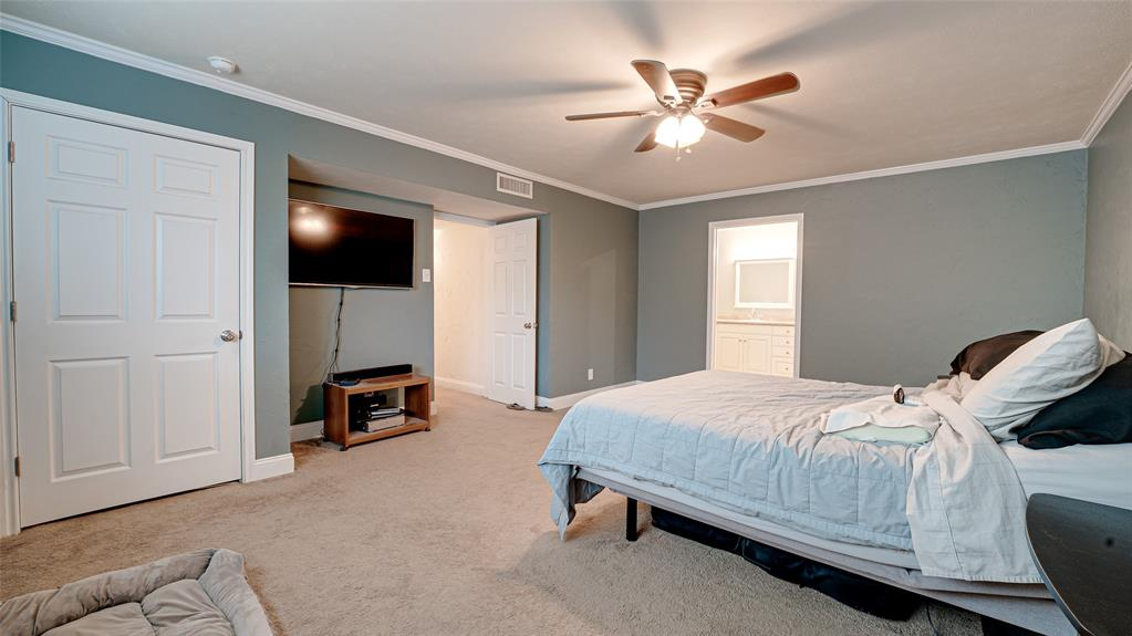 928 Mossvine Drive, Plano, Texas 75023 - acquisto real estate best investor home specialist mike shepherd relocation expert