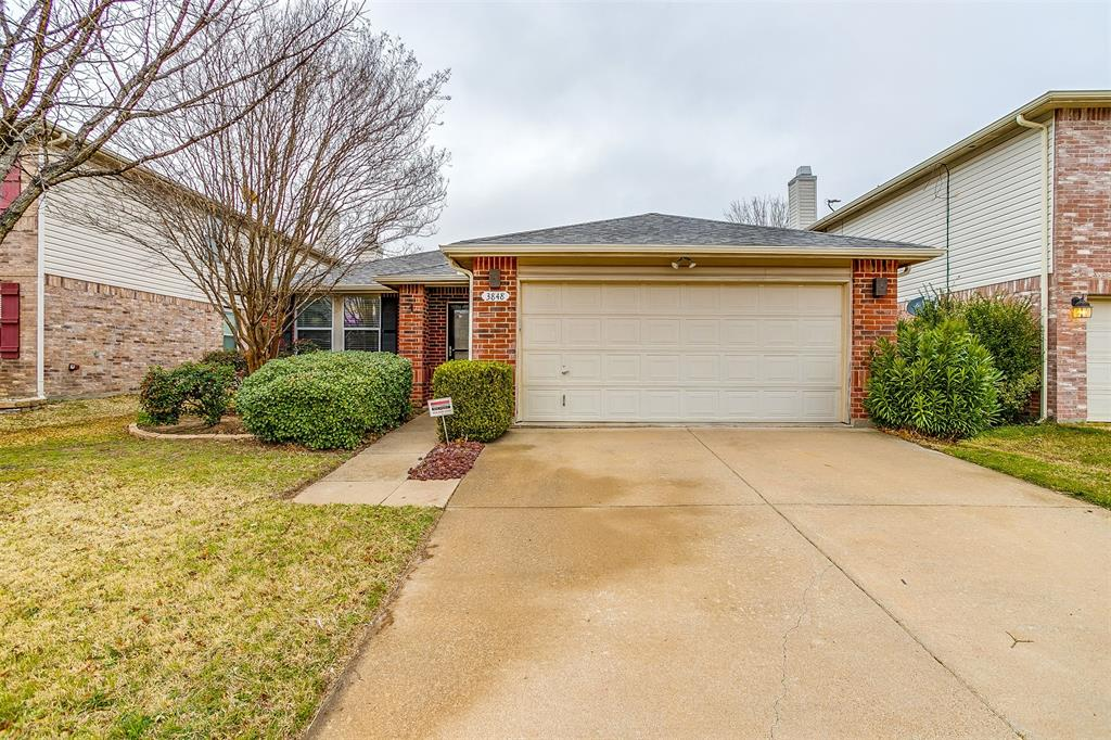 3848 Irish Setter Drive, Fort Worth, Texas 76123 - Acquisto Real Estate best plano realtor mike Shepherd home owners association expert