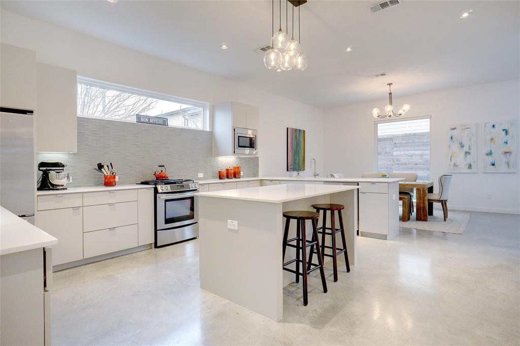 3824 Pine Tree Court, Dallas, Texas 75206 - acquisto real estate best designer and realtor hannah ewing kind realtor