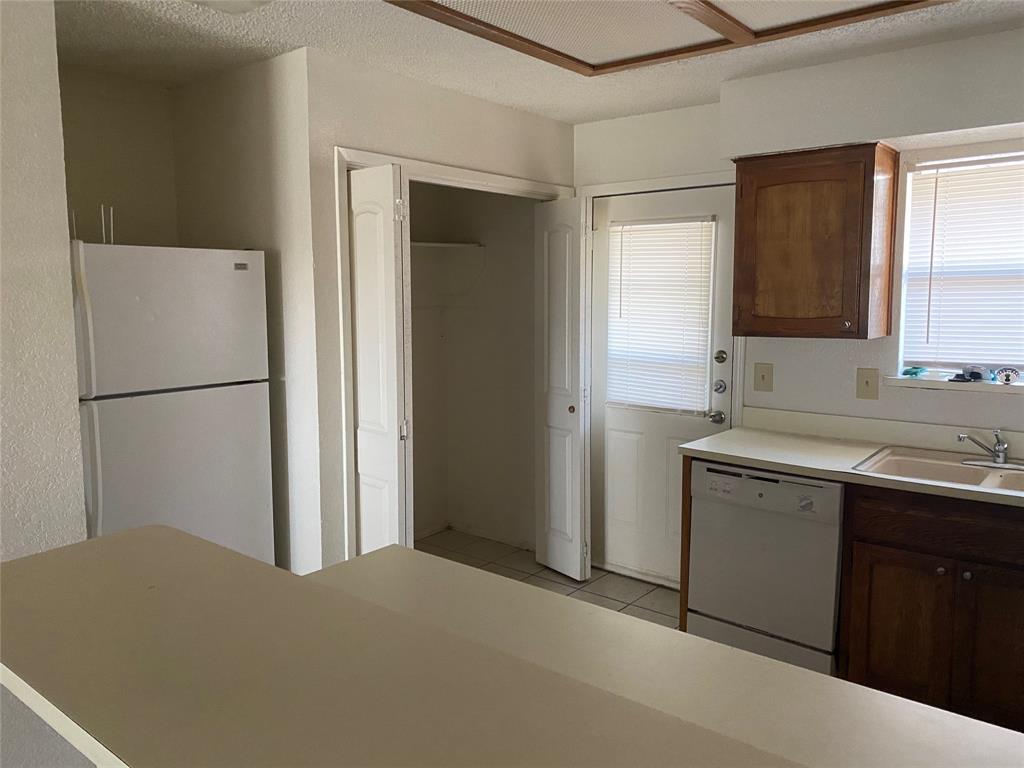 616 Cousins Lane, Arlington, Texas 76012 - acquisto real estate best allen realtor kim miller hunters creek expert