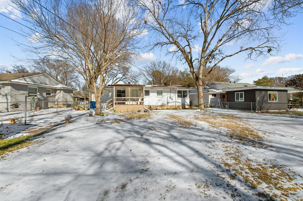 1824 Naylor Street, Dallas, Texas 75228 - acquisto real estate best realtor foreclosure real estate mike shepeherd walnut grove realtor