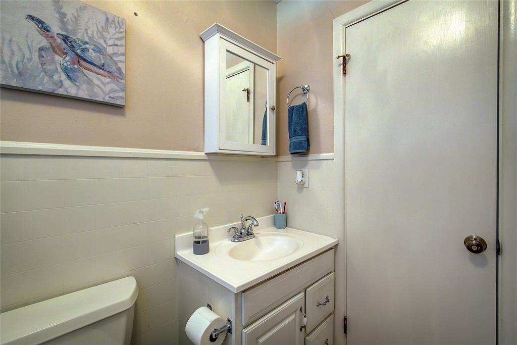 512 Davis Street, Sulphur Springs, Texas 75482 - acquisto real estate best realtor foreclosure real estate mike shepeherd walnut grove realtor