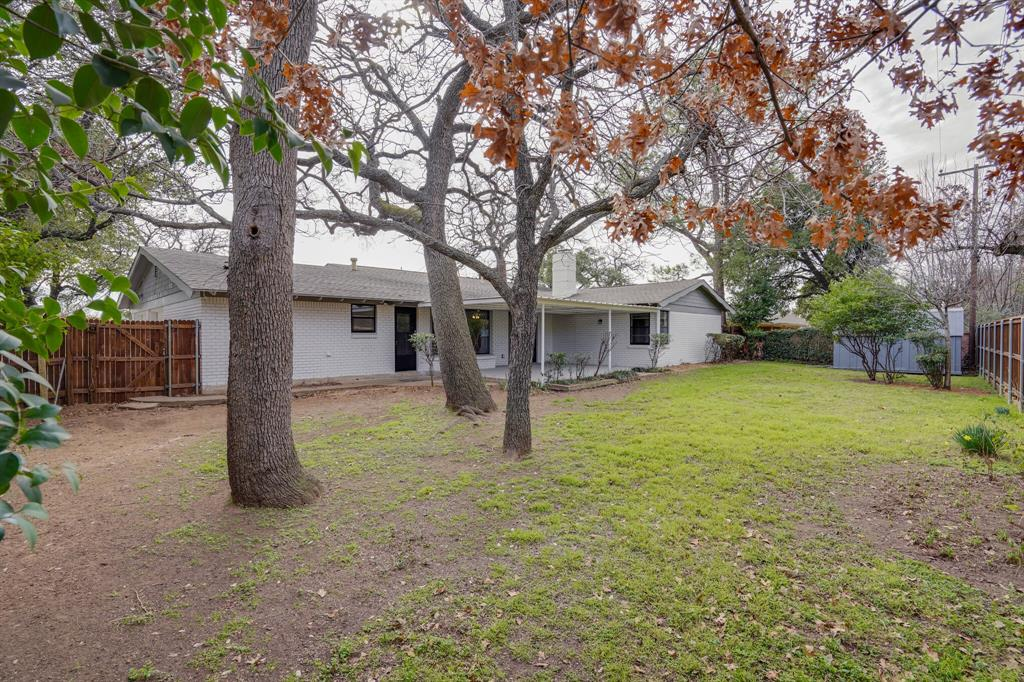 400 Plainview Drive, Hurst, Texas 76054 - acquisto real estate best plano real estate agent mike shepherd