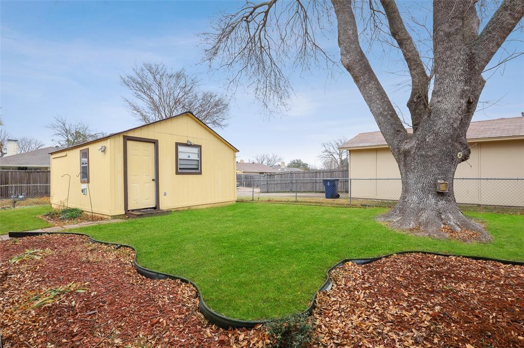 1413 Kingsbridge Drive, Garland, Texas 75044 - acquisto real estate best negotiating realtor linda miller declutter realtor