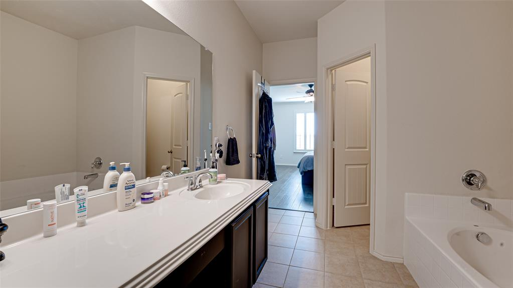 1734 Oak Glen  Drive, Wylie, Texas 75098 - acquisto real estate best photos for luxury listings amy gasperini quick sale real estate