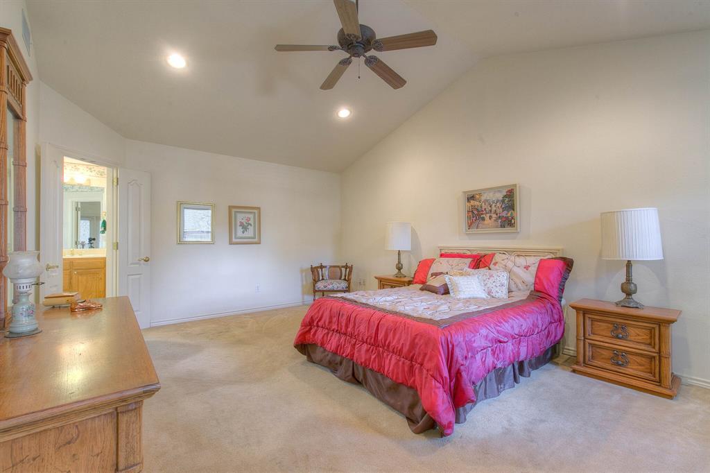 6510 Circo Drive, Granbury, Texas 76049 - acquisto real estate best realtor dallas texas linda miller agent for cultural buyers