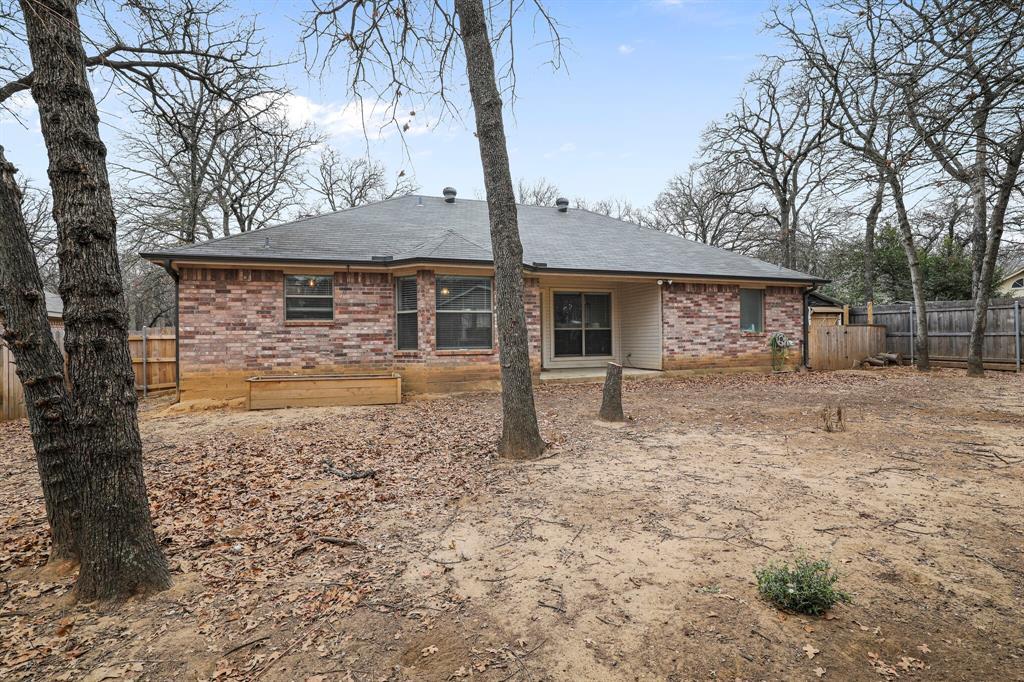 409 Meadowcrest Drive, Azle, Texas 76020 - acquisto real estate best allen realtor kim miller hunters creek expert