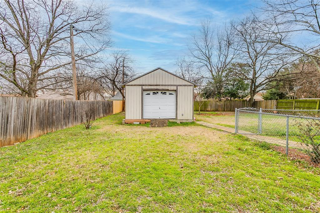 603 Pleasant Manor Avenue, Burleson, Texas 76028 - acquisto real estate best looking realtor in america shana acquisto