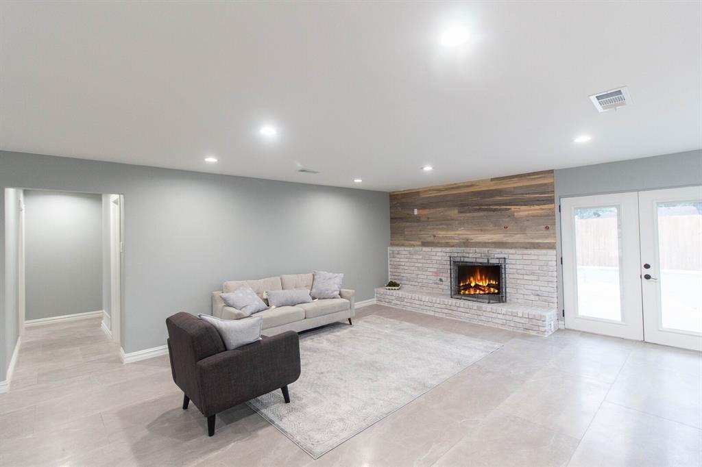 4156 Echo Glen  Drive, Dallas, Texas 75244 - acquisto real estate best celina realtor logan lawrence best dressed realtor