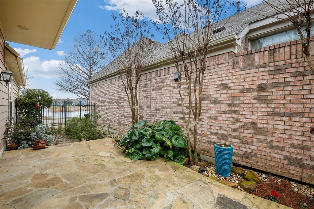 6105 Lake Way, North Richland Hills, Texas 76180 - acquisto real estate best park cities realtor kim miller best staging agent