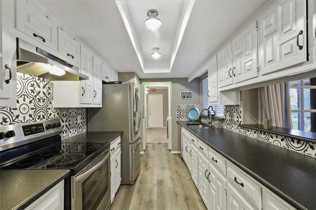 1413 Kingsbridge Drive, Garland, Texas 75044 - acquisto real estate best celina realtor logan lawrence best dressed realtor