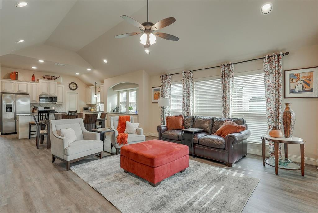 805 Foxtail Drive, Mansfield, Texas 76063 - acquisto real estate best real estate company in frisco texas real estate showings