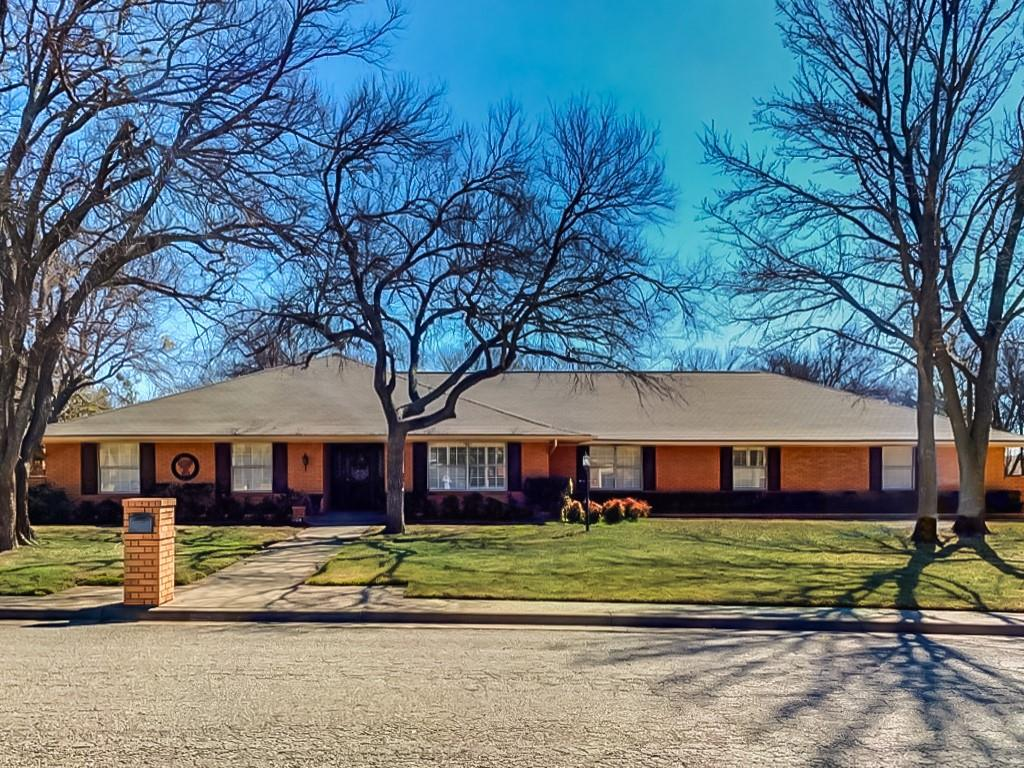 1024 Normandy Drive, Graham, Texas 76450 - Acquisto Real Estate best frisco realtor Amy Gasperini 1031 exchange expert