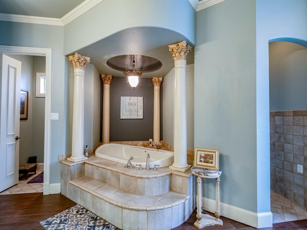 2305 Alexa Court, Granbury, Texas 76048 - acquisto real estate best photos for luxury listings amy gasperini quick sale real estate