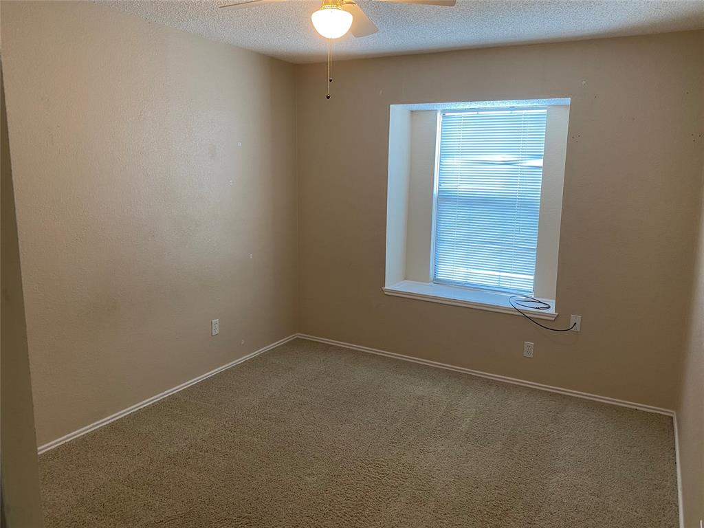 1433 Sedalia Drive, Flower Mound, Texas 75028 - acquisto real estate best new home sales realtor linda miller executor real estate