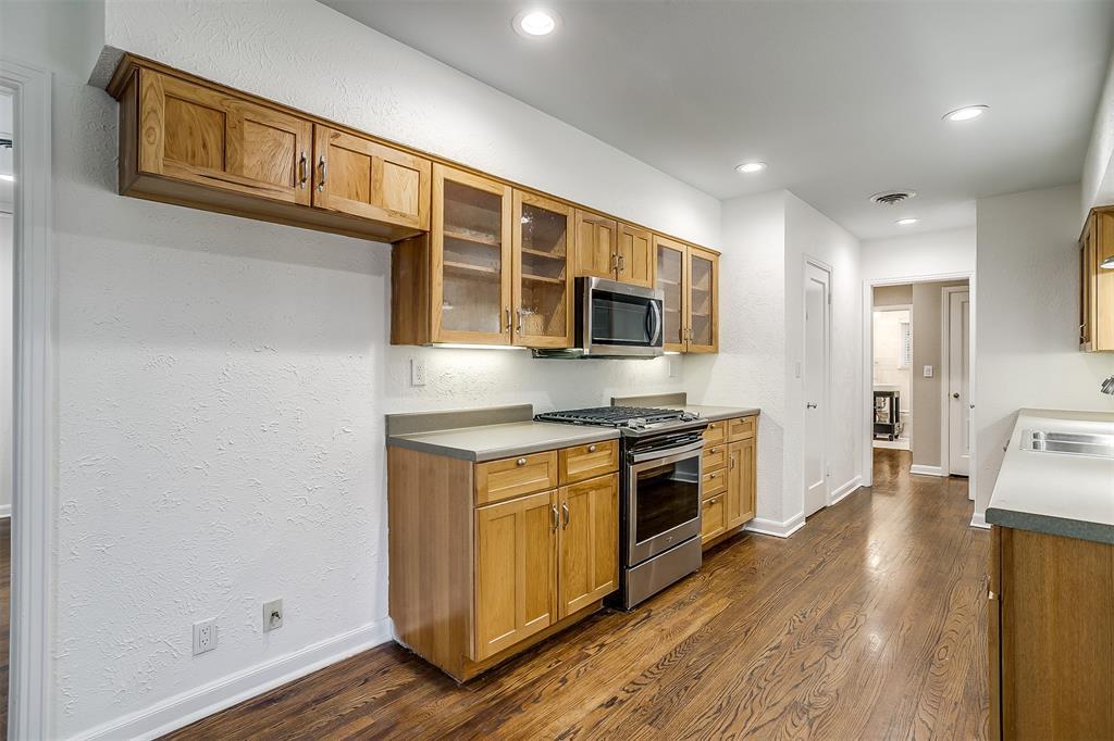 6355 Greenway Road, Fort Worth, Texas 76116 - acquisto real estate best negotiating realtor linda miller declutter realtor