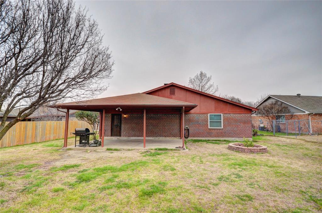 212 Asbury Drive, Saginaw, Texas 76179 - acquisto real estate best frisco real estate agent amy gasperini panther creek realtor