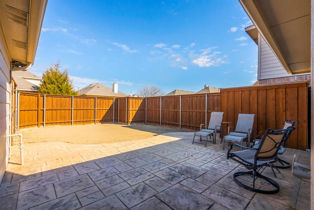 5904 Saddle Club Trail, McKinney, Texas 75070 - acquisto real estate best park cities realtor kim miller best staging agent