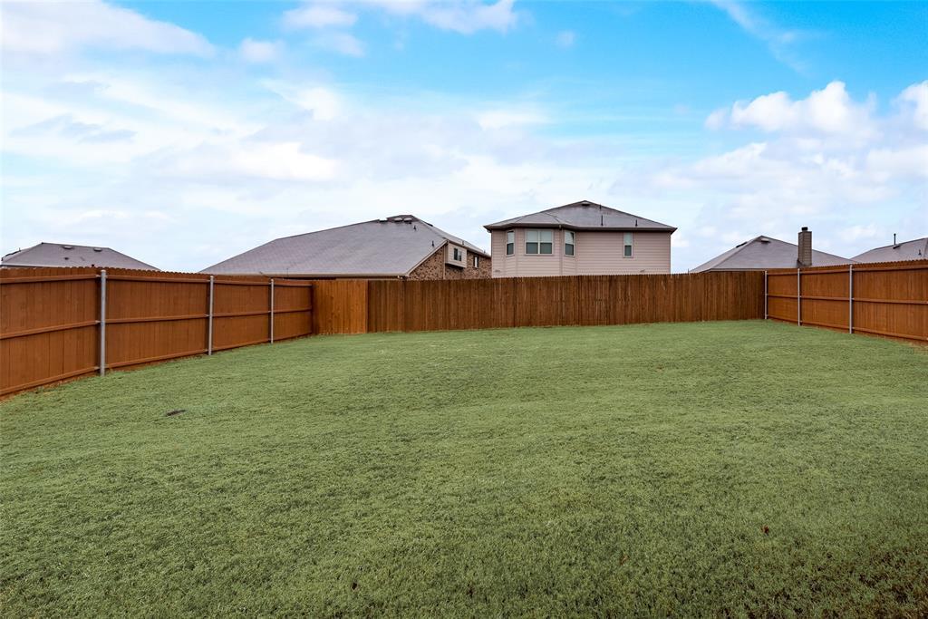 1979 Travertine Avenue, Heartland, Texas 75126 - acquisto real estate best realtor dallas texas linda miller agent for cultural buyers