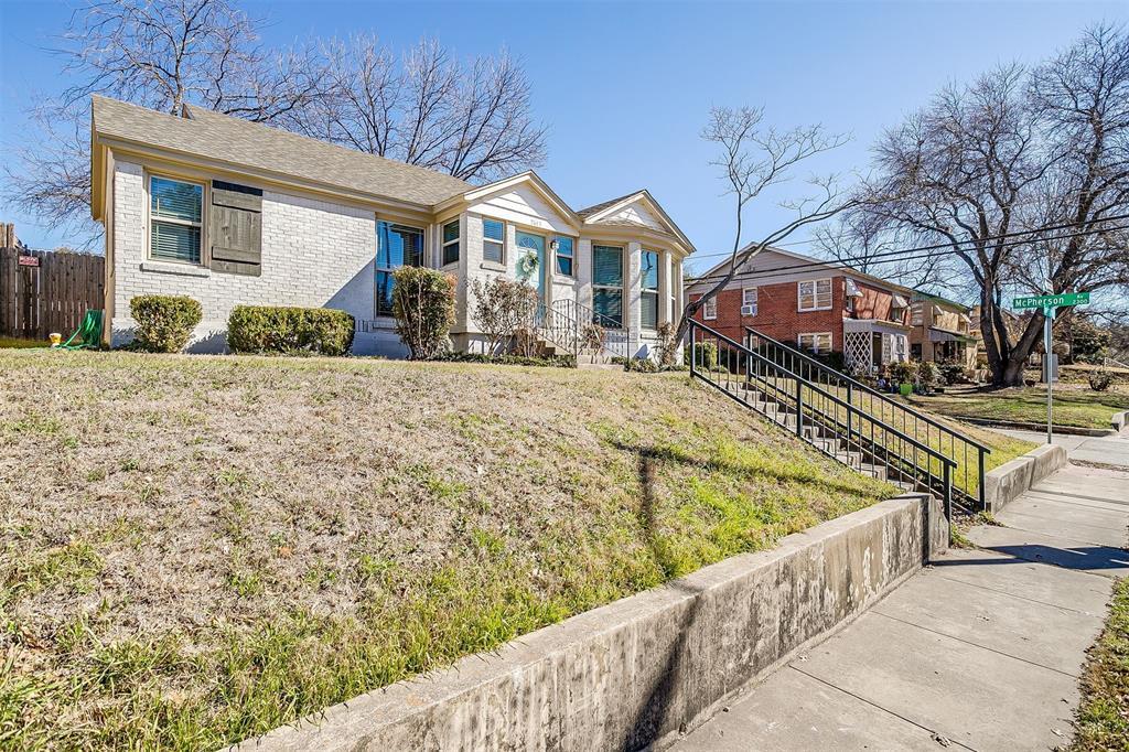 2641 Forest Park Boulevard, Fort Worth, Texas 76110 - acquisto real estate best allen realtor kim miller hunters creek expert