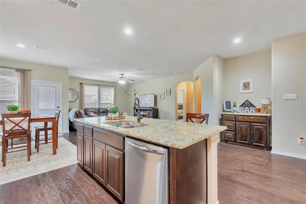 10112 Burtrum Drive, Fort Worth, Texas 76177 - acquisto real estate best new home sales realtor linda miller executor real estate