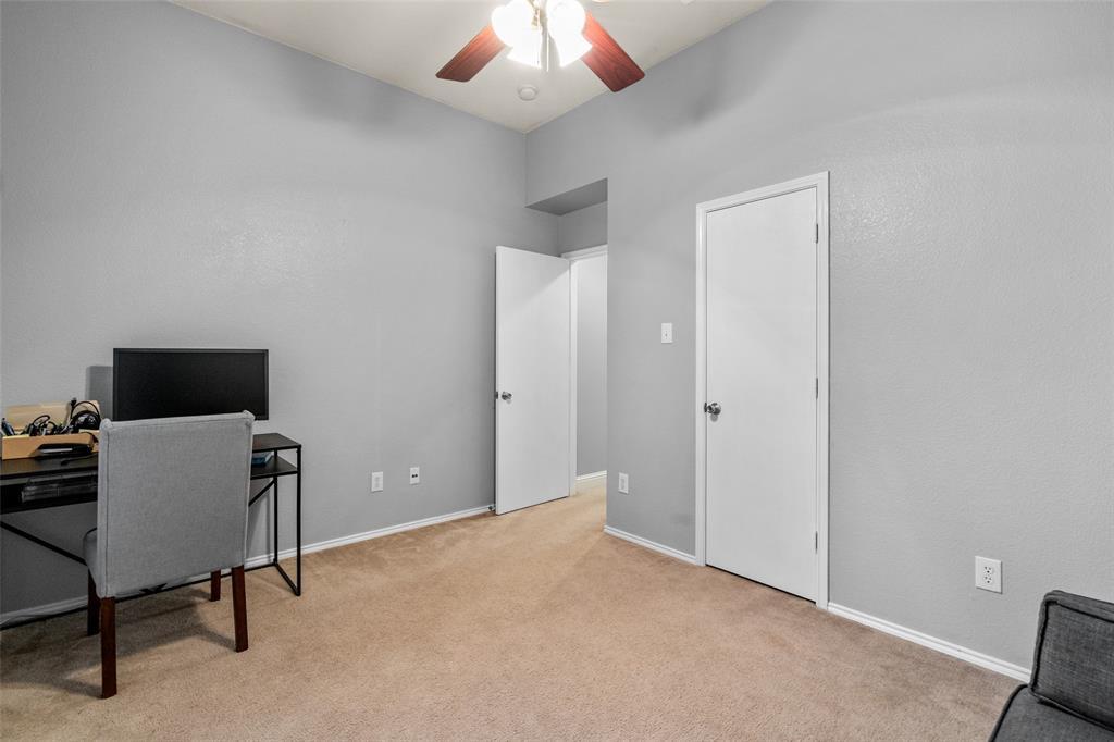 2737 Laurel Oak Drive, McKinney, Texas 75071 - acquisto real estate best investor home specialist mike shepherd relocation expert
