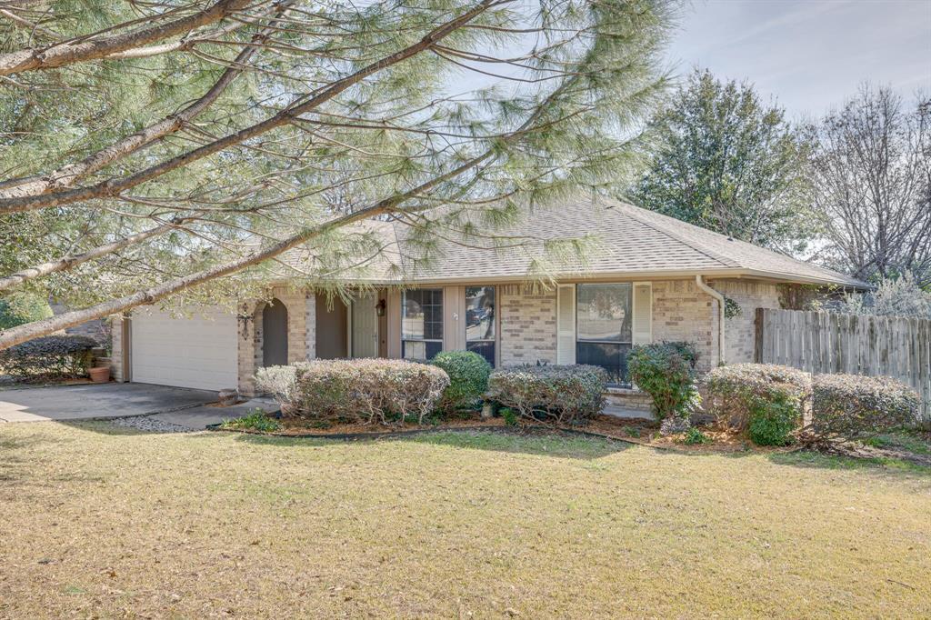6824 Stillmeadows Circle, North Richland Hills, Texas 76182 - Acquisto Real Estate best mckinney realtor hannah ewing stonebridge ranch expert