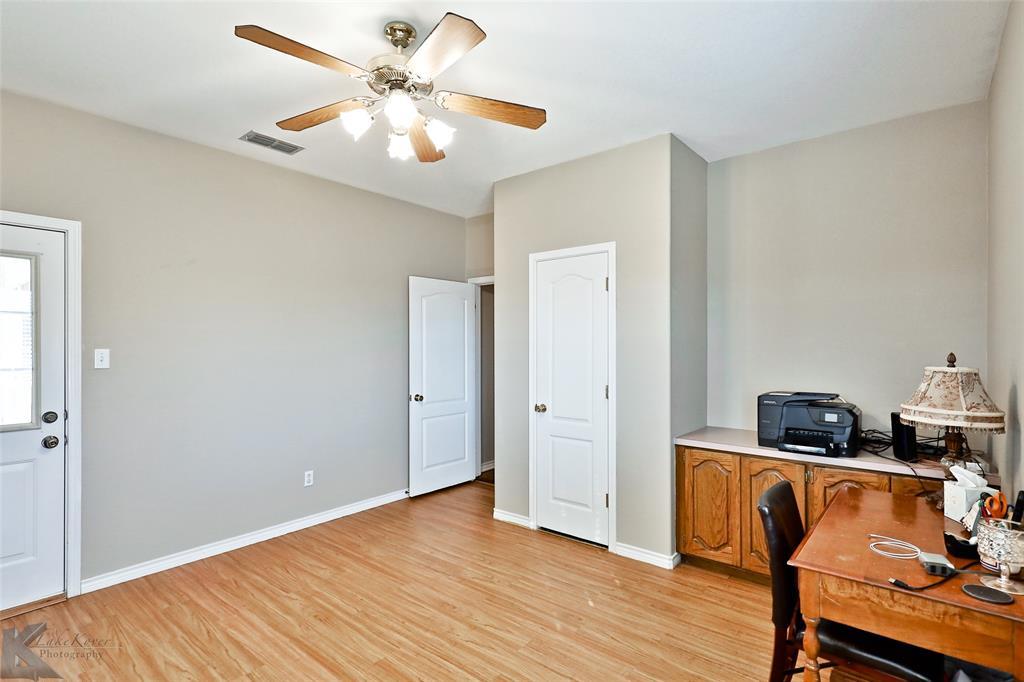 8541 Saddle Creek Road, Abilene, Texas 79602 - acquisto real estate best photo company frisco 3d listings