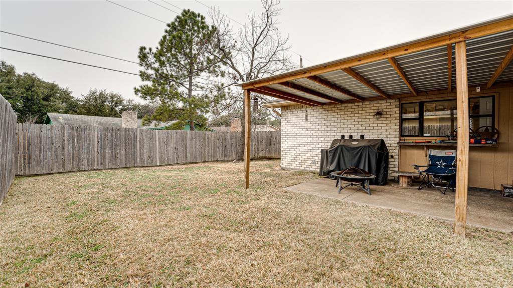 928 Mossvine Drive, Plano, Texas 75023 - acquisto real estate best plano real estate agent mike shepherd
