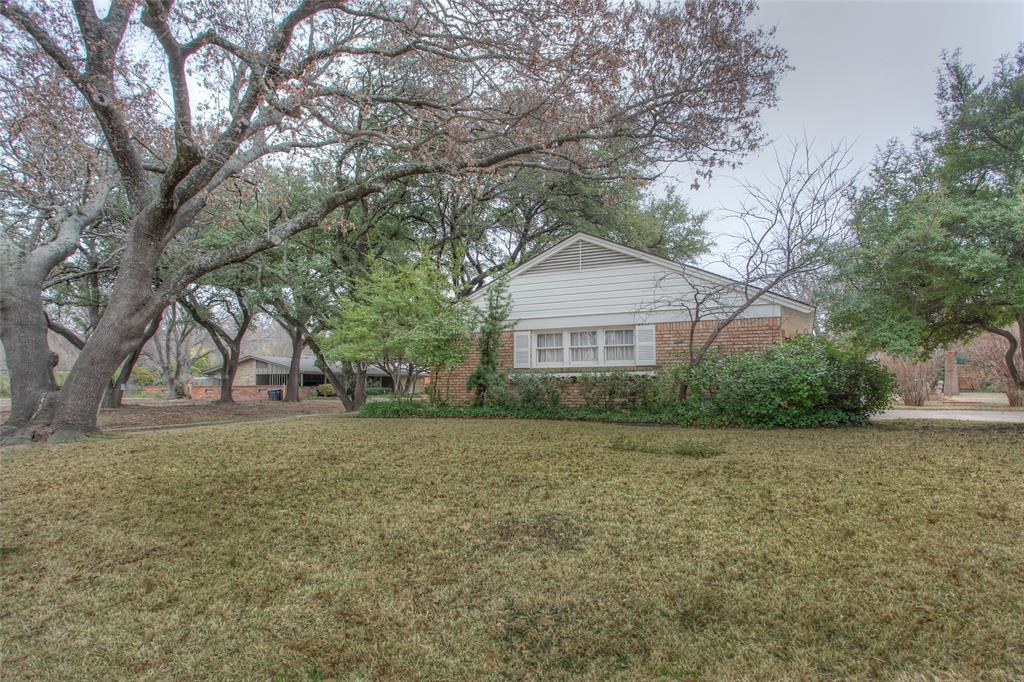 2700 Hartwood Drive, Fort Worth, Texas 76109 - acquisto real estate best looking realtor in america shana acquisto