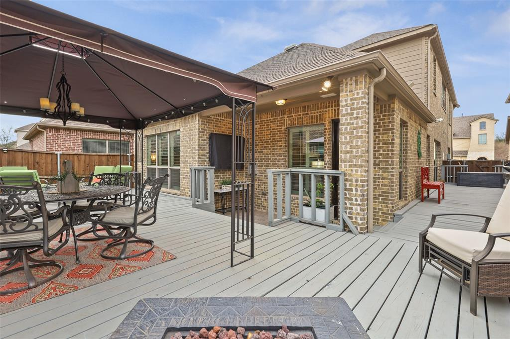3920 Brookridge Court, Bedford, Texas 76021 - acquisto real estate best negotiating realtor linda miller declutter realtor