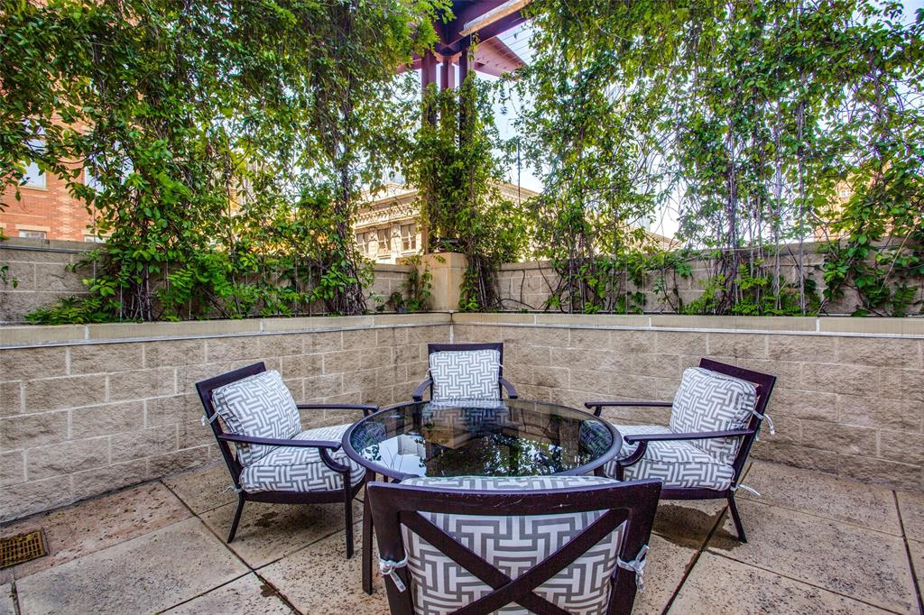500 Throckmorton Street, Fort Worth, Texas 76102 - acquisto real estaet best boutique real estate firm in texas for high net worth sellers