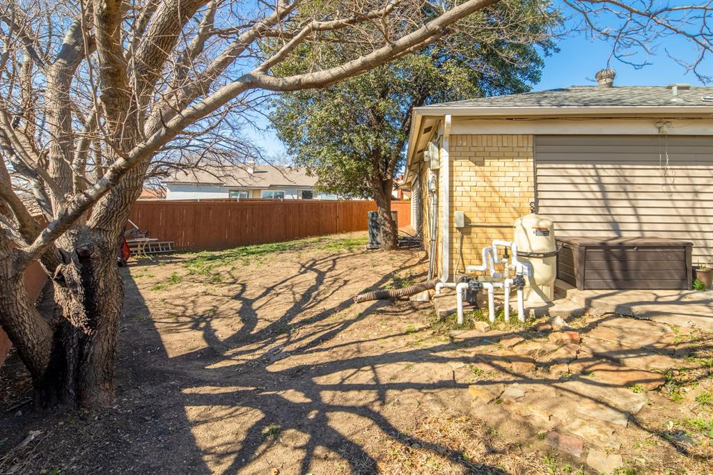 2212 Colonial Place, Carrollton, Texas 75007 - acquisto real estate best photo company frisco 3d listings