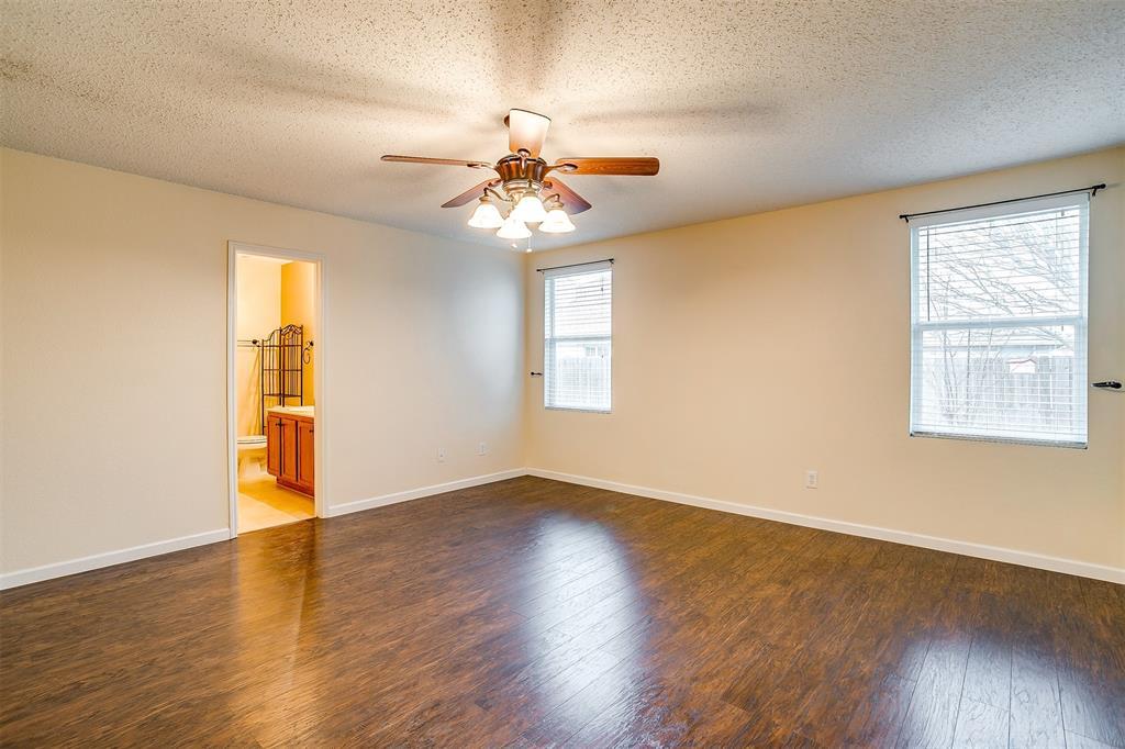 3848 Irish Setter Drive, Fort Worth, Texas 76123 - acquisto real estate best negotiating realtor linda miller declutter realtor