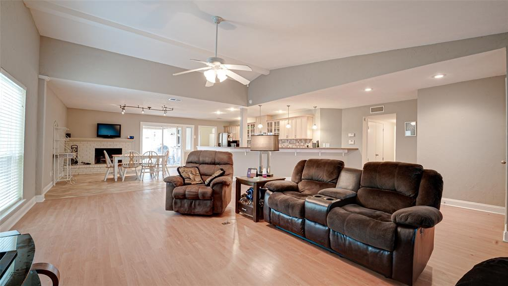 928 Mossvine Drive, Plano, Texas 75023 - acquisto real estate best celina realtor logan lawrence best dressed realtor