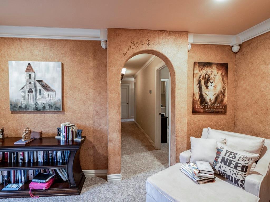 2305 Alexa Court, Granbury, Texas 76048 - acquisto real estate best plano real estate agent mike shepherd