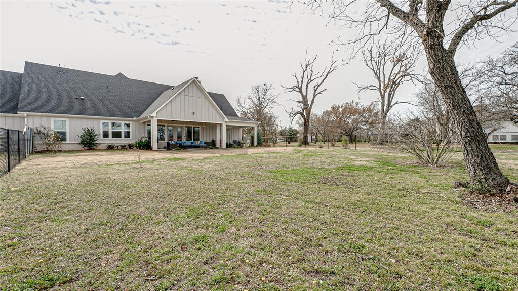 302 Pyle Street, Kaufman, Texas 75142 - acquisto real estate best looking realtor in america shana acquisto