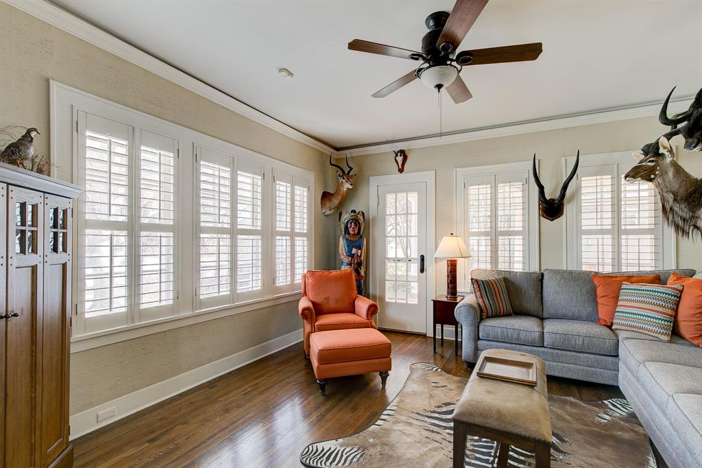 2434 Wabash Avenue, Fort Worth, Texas 76109 - acquisto real estate best listing agent in the nation shana acquisto estate realtor