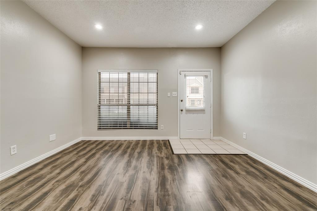633 Carriagehouse  Lane, Garland, Texas 75040 - acquisto real estate best prosper realtor susan cancemi windfarms realtor