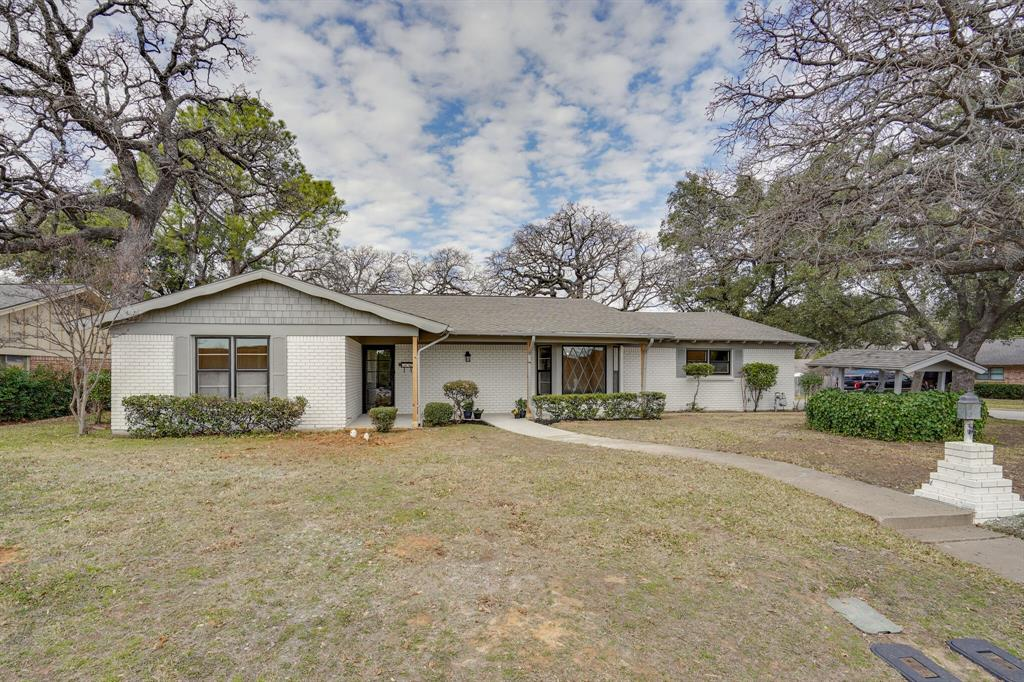 400 Plainview Drive, Hurst, Texas 76054 - Acquisto Real Estate best plano realtor mike Shepherd home owners association expert