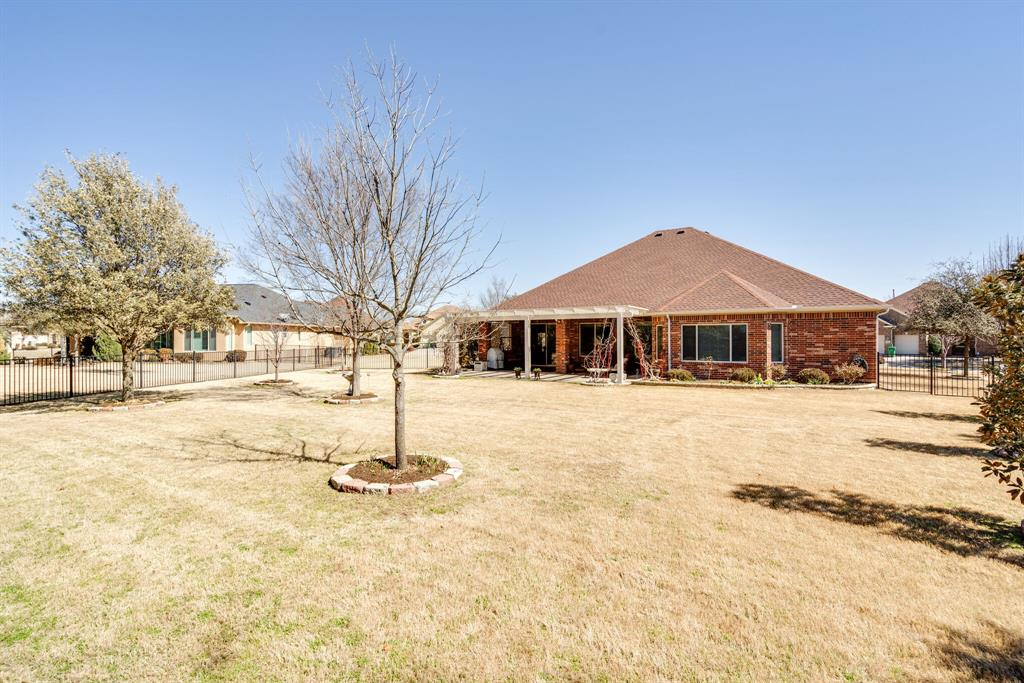 9004 Freeport Drive, Denton, Texas 76207 - acquisto real estate best park cities realtor kim miller best staging agent