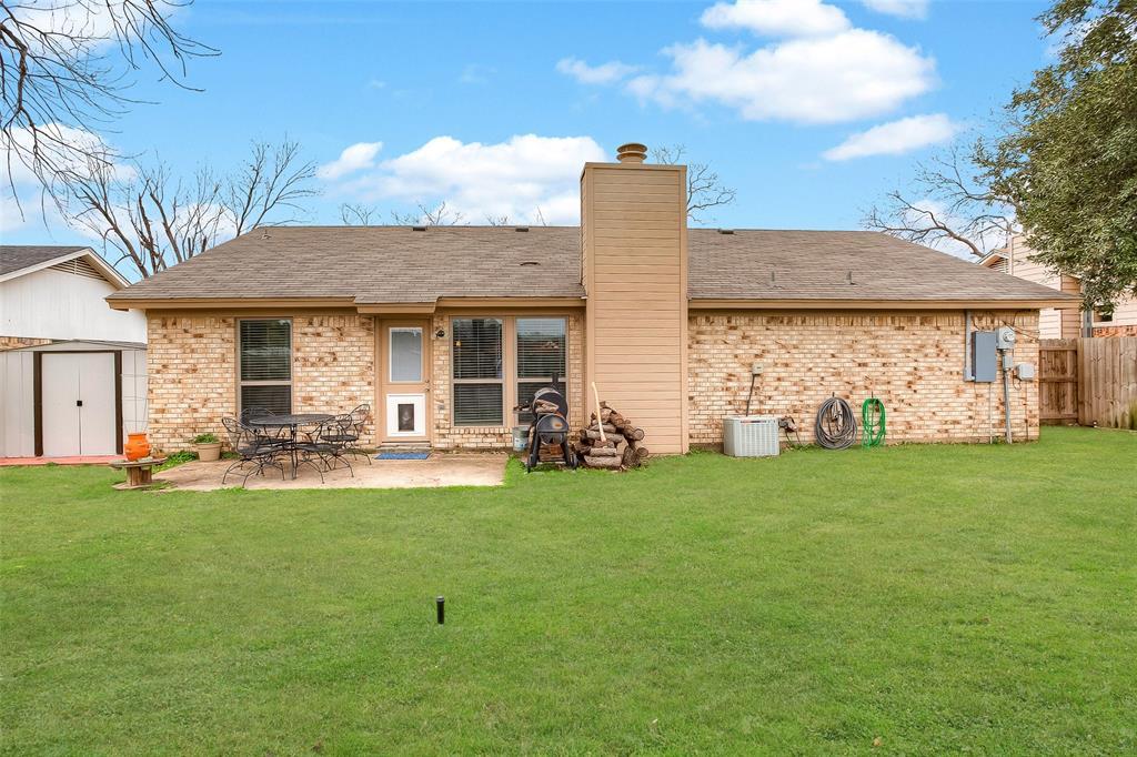 2909 Lake Park Drive Grand Prairie, Texas 75052 - acquisto real estate best realtor foreclosure real estate mike shepeherd walnut grove realtor