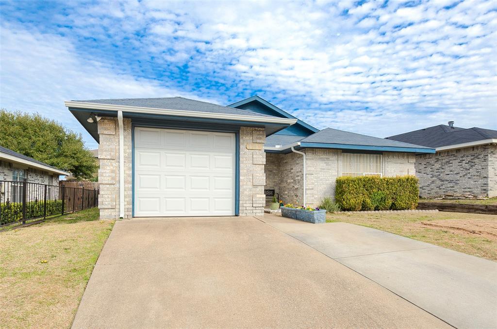 4545 Posada Drive, Dallas, Texas 75211 - acquisto real estate best realtor dfw jody daley liberty high school realtor